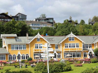 How People enjoy journey in Norway